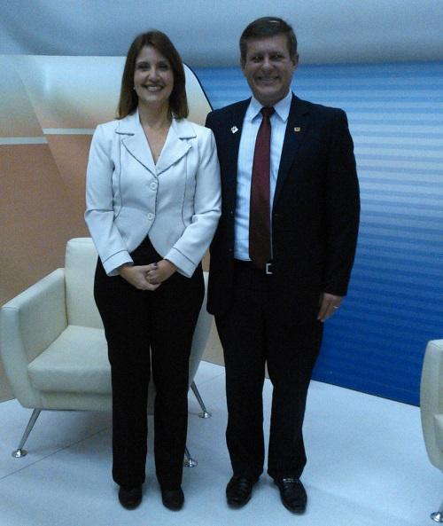 Sergio Miorin e a apresentadora do EPTV Comunidade